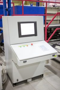 Stationary control panel for an automated line