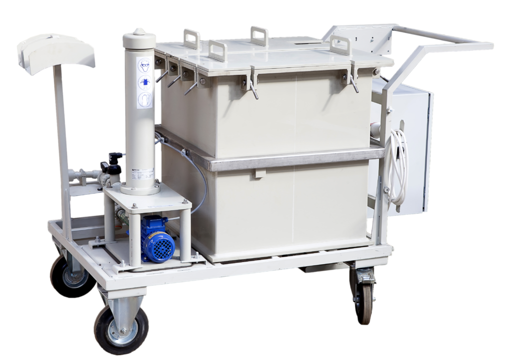 Tanks for preparation and pumping of solutions